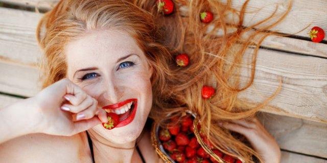 manfaat strawberry untuk kencatikan wajah